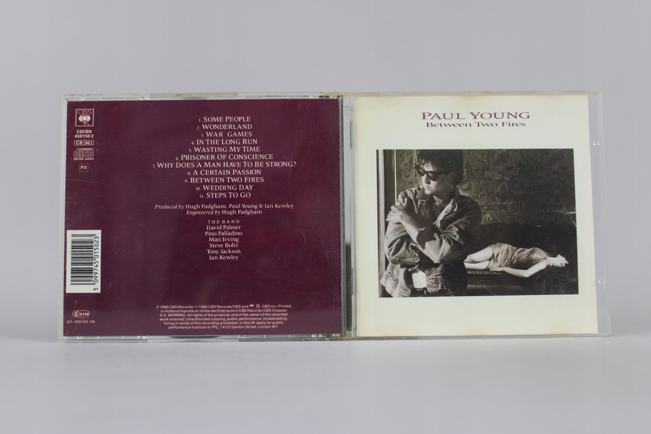 Paul Young – Between Two Fires