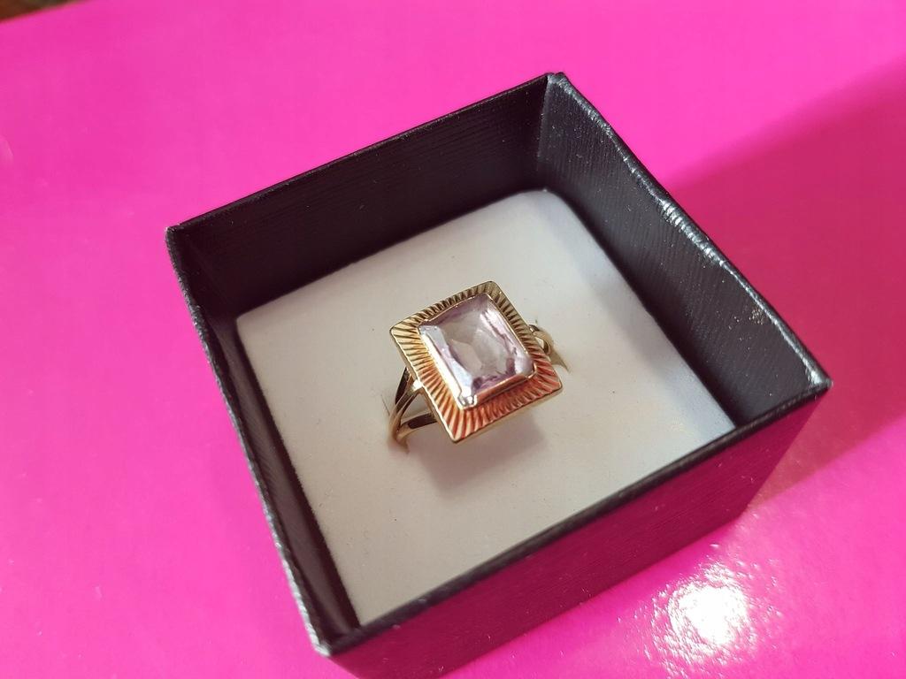 Licytacja złotego pierścionka 585 z Ametystem